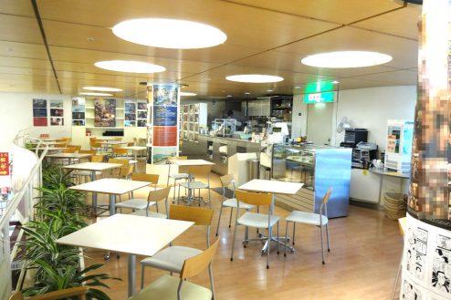 8.八重洲ブックセンター|喫茶コーナー(カウンター方向)
