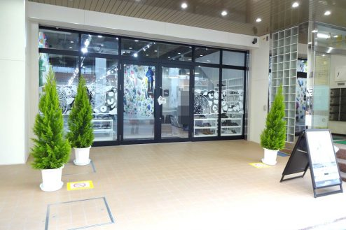 14.ボルダリング・クライミングジム|店舗前スペース