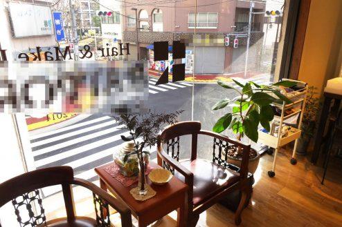 8.美容室Hair&MakeUP|店内・窓側・待合席