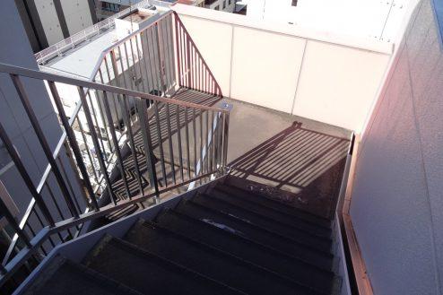 17.亀戸マンション|外階段