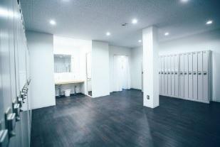 18.ボルダリング・クライミングジム川崎店|更衣室(女子)