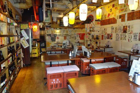 3.神保町・大衆居酒屋|店内・入口から