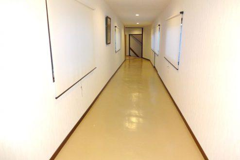 21.旅館・うり坊|本館から新館への渡り廊下