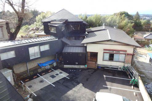 28.旅館・うり坊|本館から新館の眺め