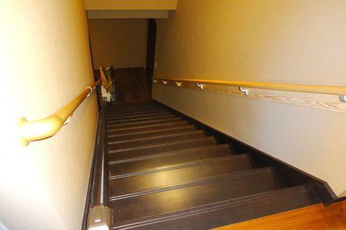 19.旅館・うり坊|本館・階段