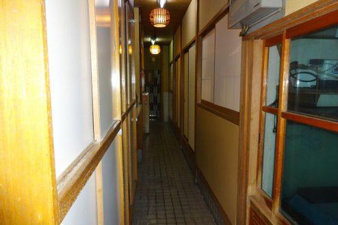 15.Rental studio『コマチ堂』|1Fの3部屋を繋ぐ廊下