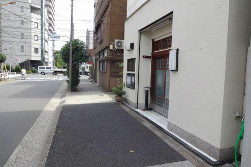 29.Rental studio『コマチ堂』|スタジオ前通り