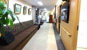 お茶の水駅前クリニック|病院・診察室・廊下・富裕層|東京