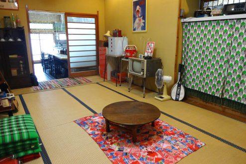 3.Rental studio『コマチ堂』|1F和室(10畳)からカウンター方向