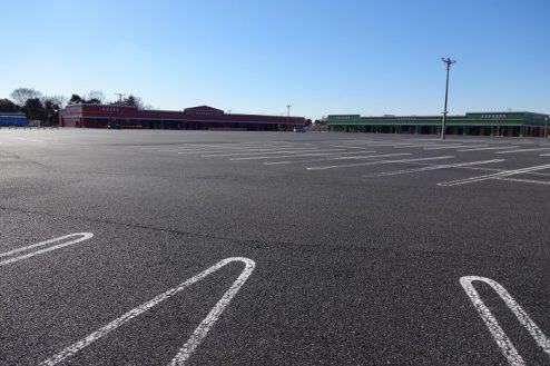 7.ロングウッドステーション|フラットな1万坪の駐車場