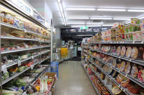 6.コンビニA|店内・商品棚
