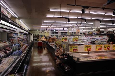 スーパーA|スーパーマーケット・駐車場・バックヤード
