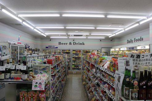 9.コンビニA|店内・商品棚