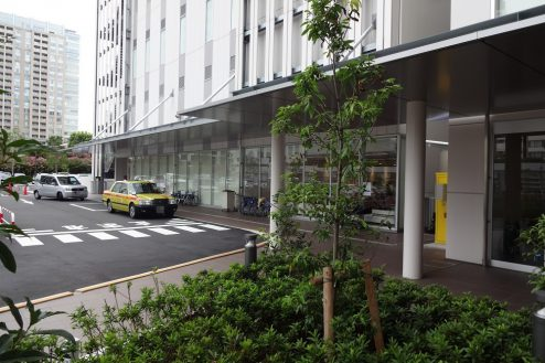 26.港区病院|車寄せ