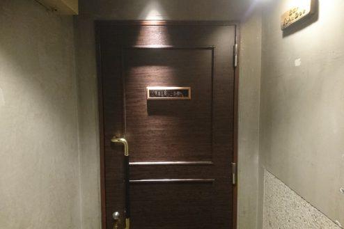 12.下北沢・バー|ドア