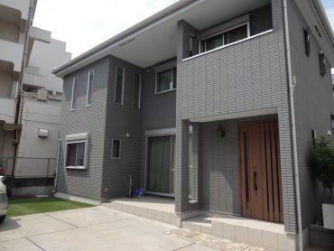 一軒家(4LDK+P)|リビング・洋室・庭・縁側・駐車場|東京