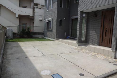 19.一軒家(4LDK+P)|庭(4台分駐車可能)