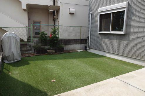 21.一軒家(4LDK+P)|庭・人工芝エリア