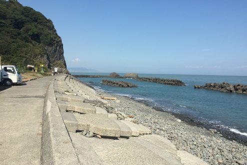 10.小浜プライベート海岸|堤防のある海岸