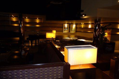 9..フュージョンFUSION ホール・ピアノ
