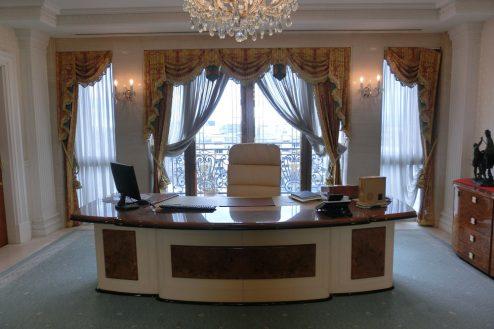 7.東大和オフィス|社長室・デスク