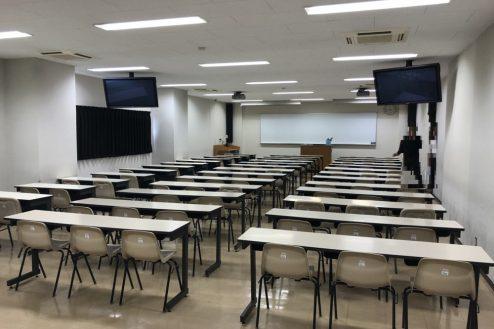 18.女子大新座キャンパス|校舎内部屋