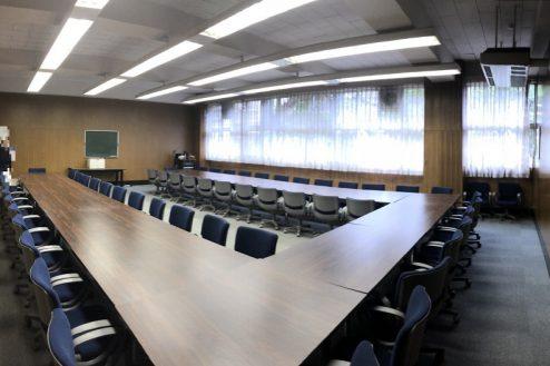 19.女子大新座キャンパス|校舎内部屋