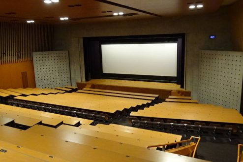 3.女子大新座キャンパス ホール