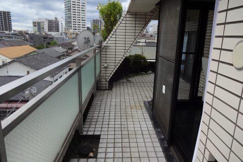 12.西新宿マンションスタジオ5階|スタジオ51・ベランダ