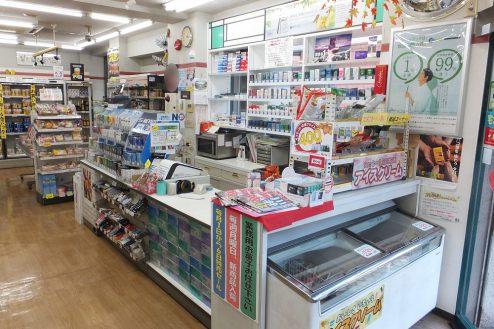 8.東京近郊のコンビニ|店内・レジカウンター付近