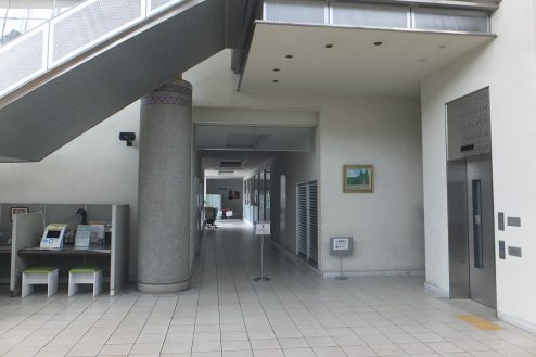6.埼玉県 県民健康福祉村|廊下・エレベーター