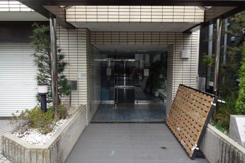 8.西新宿マンションスタジオ共用部|正面玄関