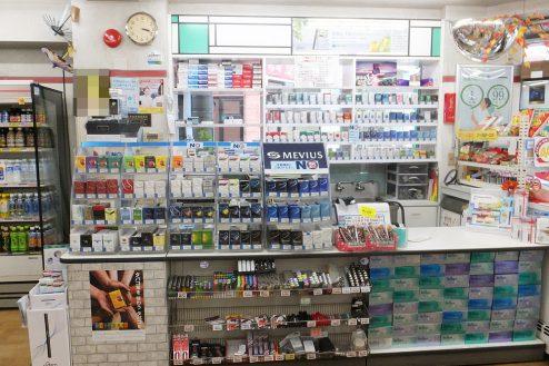 9.東京近郊のコンビニ|店内・レジカウンター