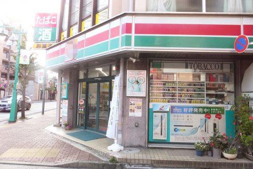 13.東京近郊のコンビニ|外観・横