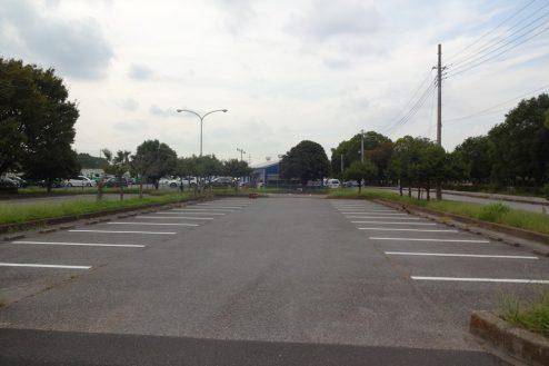 1.臨時駐車場