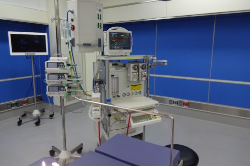 3.手術室|室内・医療設備