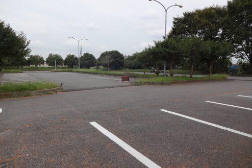 4.臨時駐車場