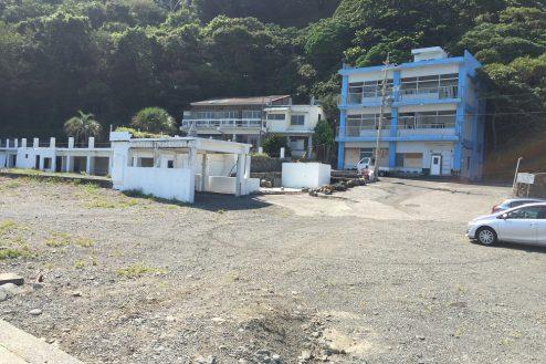 1.小浜プライベート海岸 廃墟1棟