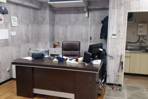 4.神田オフィス|社長デスク