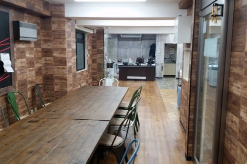 11.神田オフィス|ミーティングスペースから室内