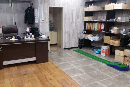 7.神田オフィス|社長デスク・パターゴルフ