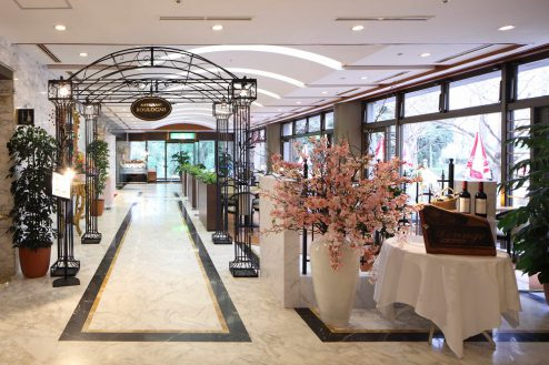 7.ホテルトリニティ書斎|レストラン ブローニュ入口