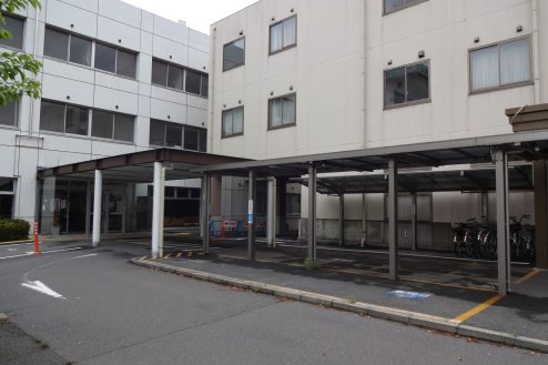 25.旧病院|玄関前通路