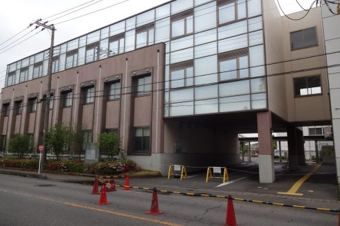 29.病院2棟貸しスタジオ|外観・敷地内出入口