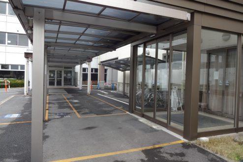 27.旧病院|玄関前通路・玄関