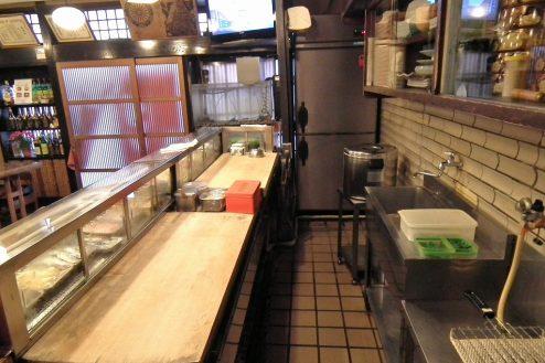 8.扇寿司|1F店内・カウンターの内側(ツケ台)