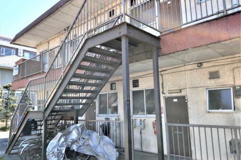 10.スタジオ和洋空間 アパート|外観・階段
