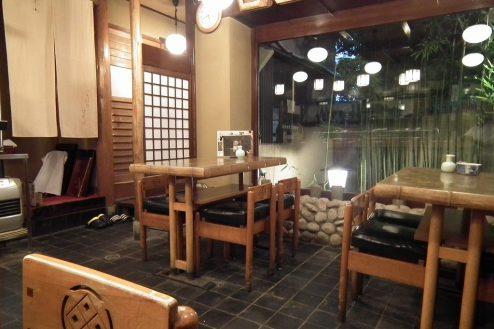 11.寿司屋・西葛西|1F店内・テーブル席(4名席×2台)