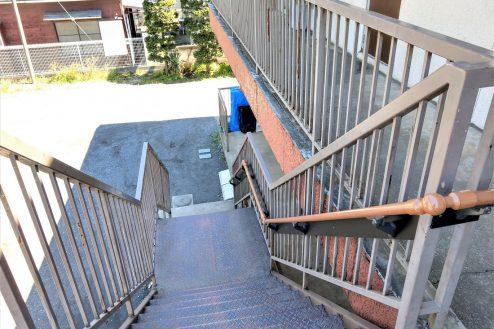 9.スタジオ和洋空間 アパート|共用部・階段