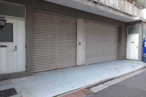 12.神田倉庫|倉庫前